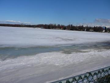 湖の融け方_a0088116_339141.jpg