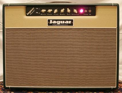 Musicianが製作する「Jaguar Amplifiers」_e0053731_2140266.jpg