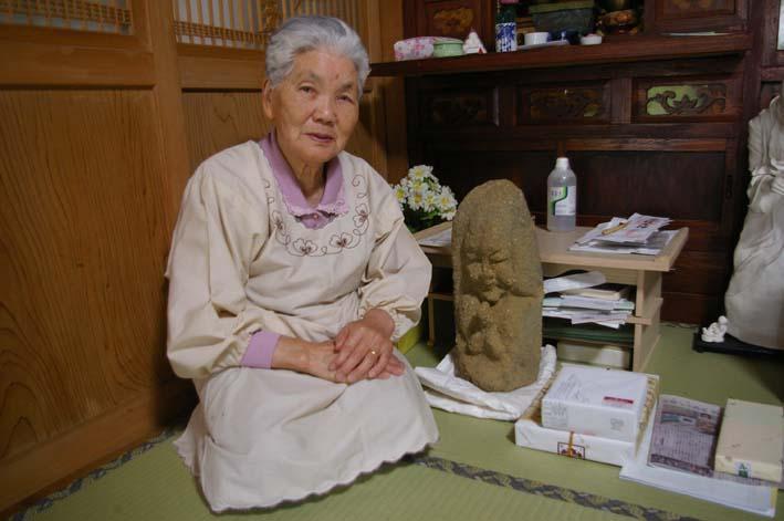 晏侶さんの石像はそれぞれ落ち着くべき場所に落ち着いた_c0014967_7195038.jpg