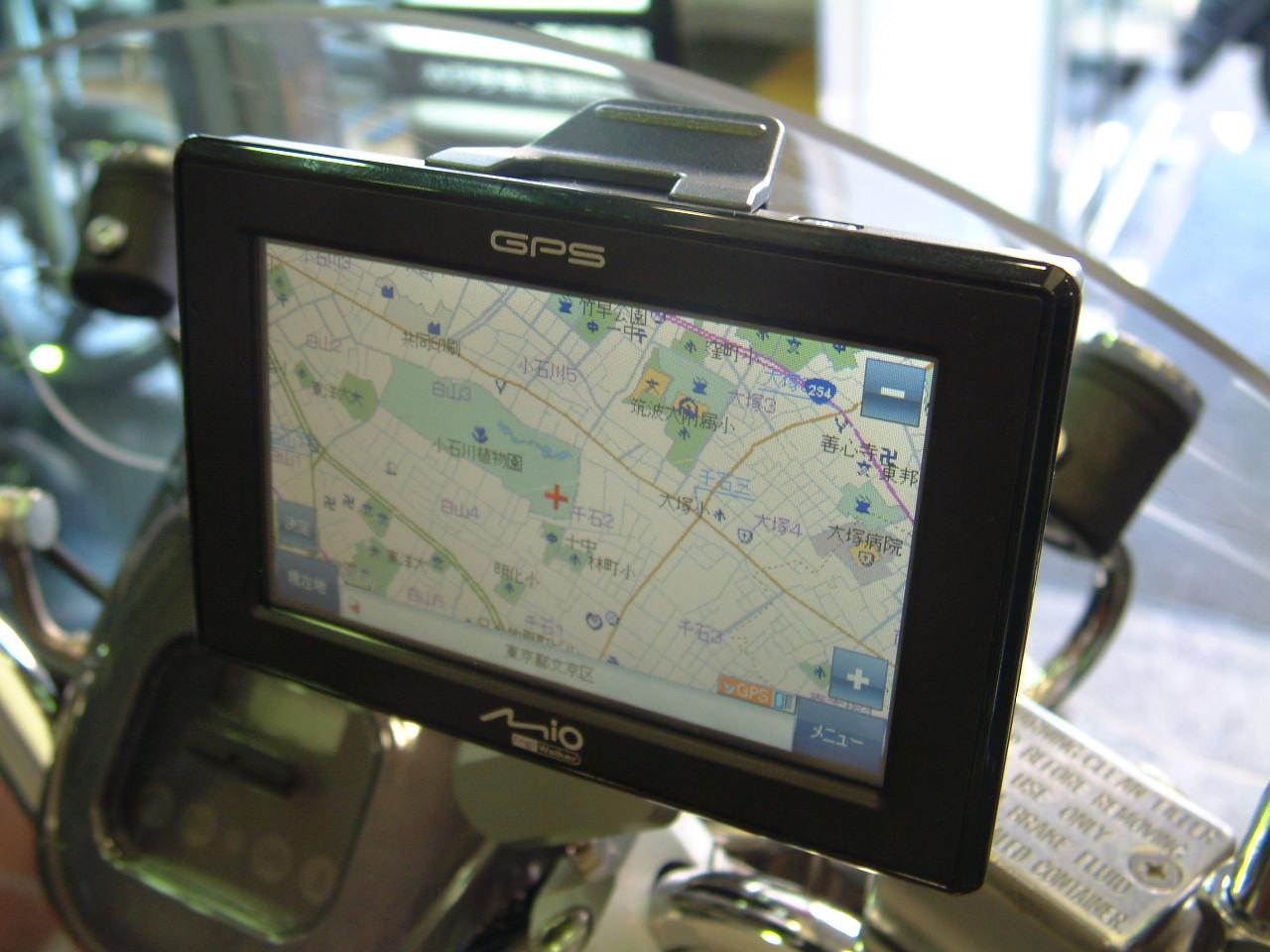 GPS ナビ Mio C323 登場_d0099181_14304815.jpg