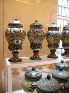 展示室に入りました~フィレンツェ、サンタ・マリア・ノヴェッラ薬局~_f0106597_18535111.jpg