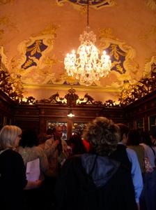展示室に入りました~フィレンツェ、サンタ・マリア・ノヴェッラ薬局~_f0106597_18593693.jpg