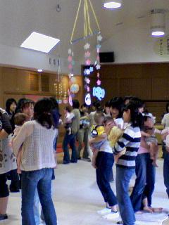 エンゼルガーデン幼稚園『0歳ひろば』★_b0108363_16103115.jpg
