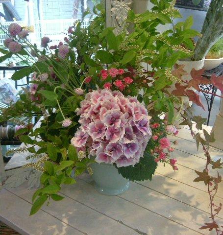 オークリーフ花の教室(望月さんの作品)_f0049672_13464143.jpg