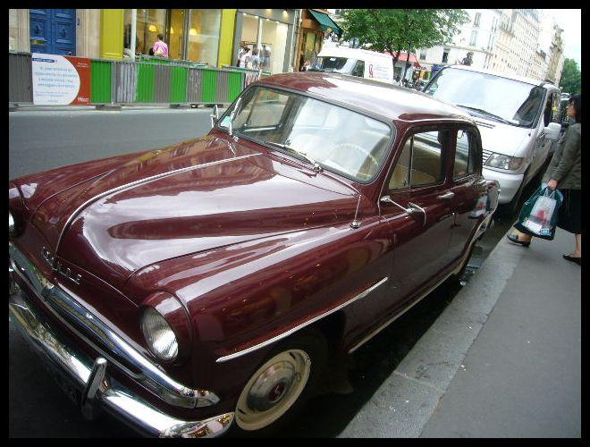 ■街角の車(パリ)_a0008105_21433787.jpg