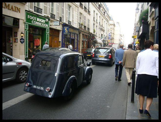 ■街角の車(パリ)_a0008105_2143644.jpg