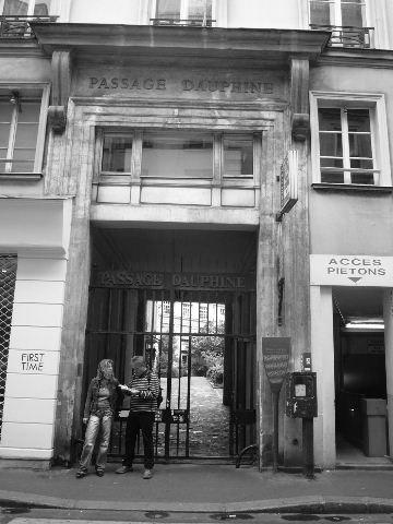 【街角のパッサージュ】Passage Dauphine(パリ)_a0008105_6345313.jpg