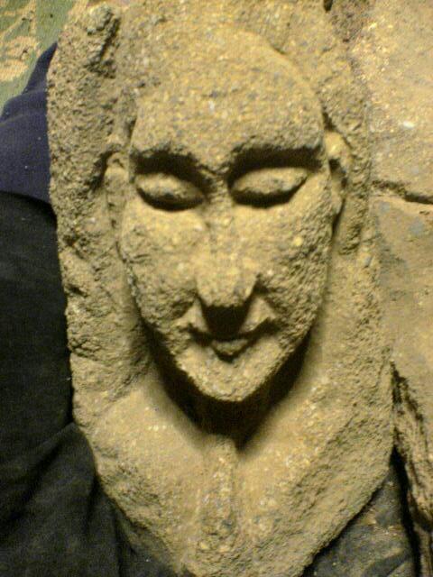 晏侶さんの石像はそれぞれ落ち着くべき場所に落ち着いた_c0014967_12212655.jpg