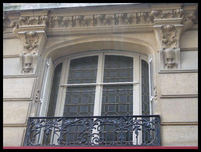 ■窓(パリ)_a0008105_522126.jpg