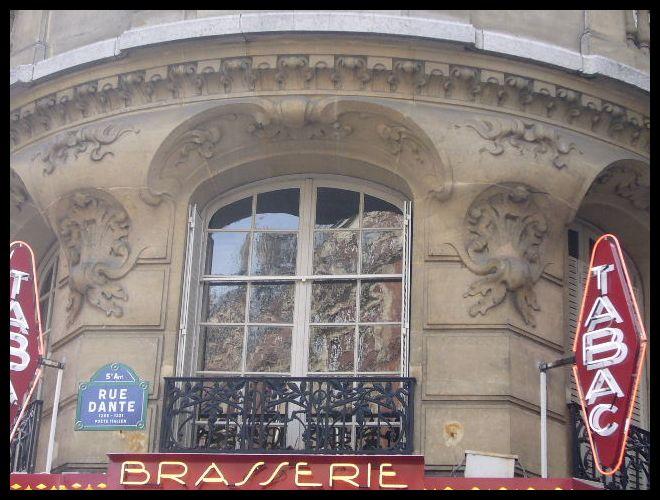 ■窓(パリ)_a0008105_523787.jpg