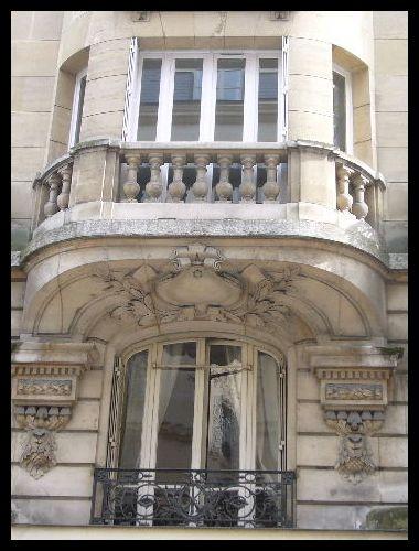 ■窓(パリ)_a0008105_532744.jpg