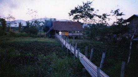 思い出の旅ラオス~Memoir:Loas trip part3 *Adventure in Laos* Vol.2~_c0105183_1771225.jpg