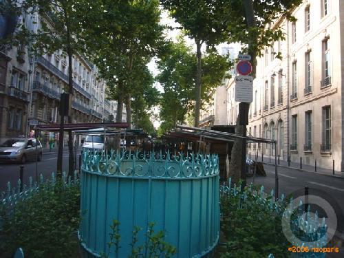 ■8月1日のマルシェから(ラスパイユ大通り、パリ)_a0014299_22495433.jpg