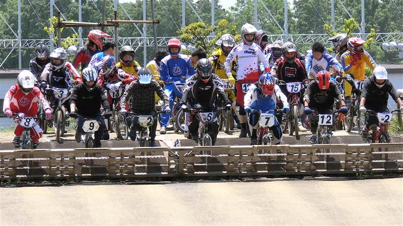 2007緑山JOSF Spring NationalsレースレースVOL4 BMXエキスパートクラス予選〜準決勝画像垂れ流し_b0065730_20531216.jpg
