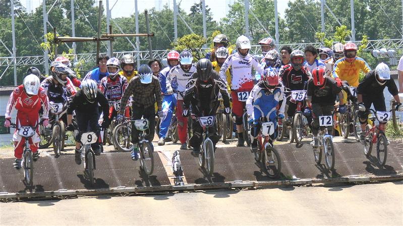 2007緑山JOSF Spring NationalsレースレースVOL4 BMXエキスパートクラス予選〜準決勝画像垂れ流し_b0065730_20532415.jpg