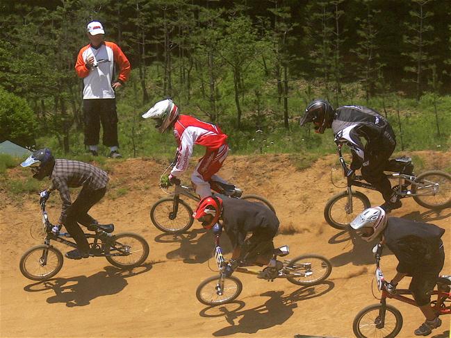 2007緑山JOSF Spring NationalsレースレースVOL4 BMXエキスパートクラス予選〜準決勝画像垂れ流し_b0065730_20541528.jpg