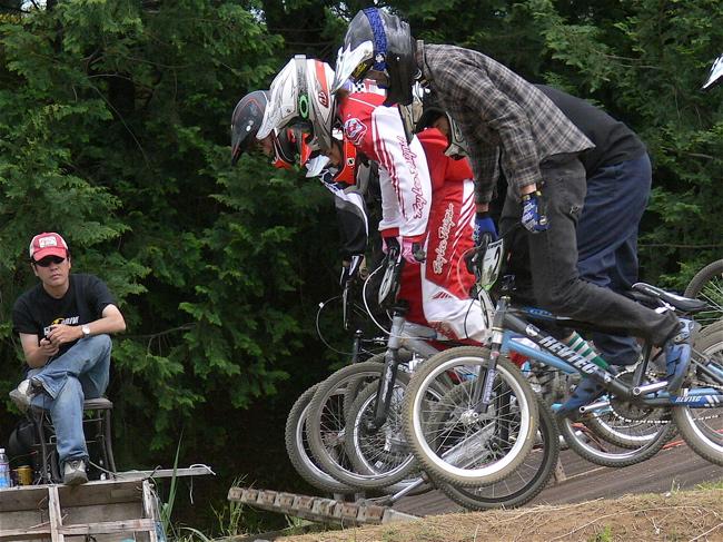 2007緑山JOSF Spring NationalsレースレースVOL4 BMXエキスパートクラス予選〜準決勝画像垂れ流し_b0065730_20551219.jpg
