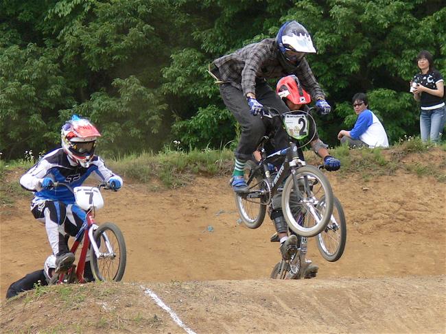 2007緑山JOSF Spring NationalsレースレースVOL4 BMXエキスパートクラス予選〜準決勝画像垂れ流し_b0065730_2056345.jpg