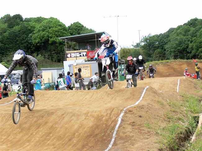 2007緑山JOSF Spring NationalsレースレースVOL4 BMXエキスパートクラス予選〜準決勝画像垂れ流し_b0065730_2057553.jpg