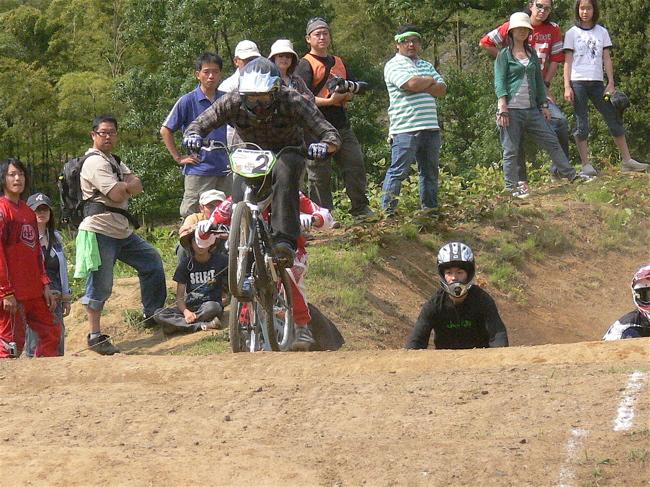 2007緑山JOSF Spring NationalsレースレースVOL4 BMXエキスパートクラス予選〜準決勝画像垂れ流し_b0065730_20582694.jpg