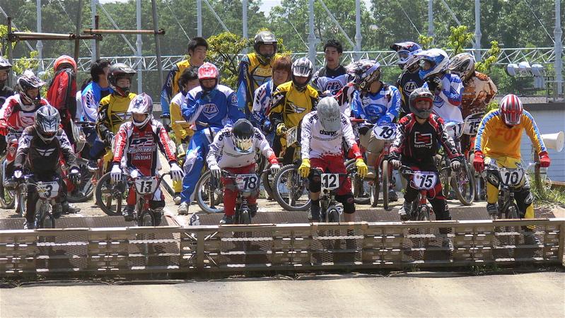 2007緑山JOSF Spring NationalsレースレースVOL4 BMXエキスパートクラス予選〜準決勝画像垂れ流し_b0065730_20592580.jpg