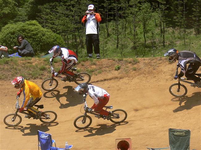 2007緑山JOSF Spring NationalsレースレースVOL4 BMXエキスパートクラス予選〜準決勝画像垂れ流し_b0065730_2105382.jpg