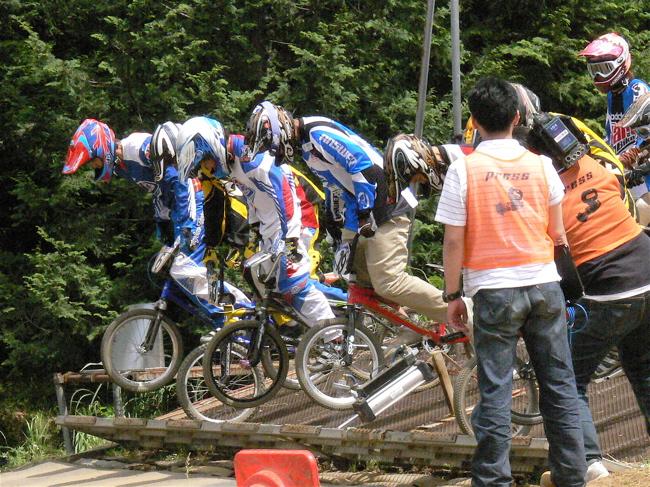 2007緑山JOSF Spring NationalsレースレースVOL4 BMXエキスパートクラス予選〜準決勝画像垂れ流し_b0065730_2110417.jpg
