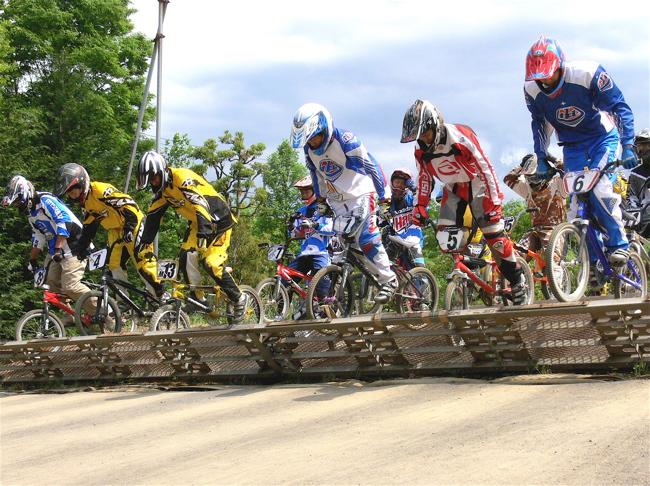2007緑山JOSF Spring NationalsレースレースVOL4 BMXエキスパートクラス予選〜準決勝画像垂れ流し_b0065730_2112331.jpg