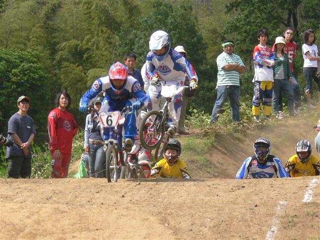2007緑山JOSF Spring NationalsレースレースVOL4 BMXエキスパートクラス予選〜準決勝画像垂れ流し_b0065730_2113287.jpg