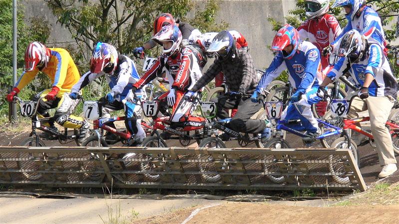 2007緑山JOSF Spring NationalsレースレースVOL4 BMXエキスパートクラス予選〜準決勝画像垂れ流し_b0065730_21153050.jpg