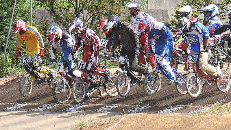 2007緑山JOSF Spring NationalsレースレースVOL4 BMXエキスパートクラス予選〜準決勝画像垂れ流し_b0065730_21155132.jpg