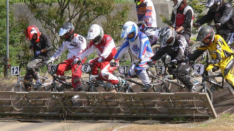 2007緑山JOSF Spring NationalsレースレースVOL4 BMXエキスパートクラス予選〜準決勝画像垂れ流し_b0065730_21174172.jpg