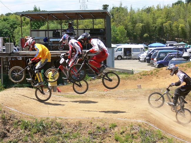 2007緑山JOSF Spring NationalsレースレースVOL4 BMXエキスパートクラス予選〜準決勝画像垂れ流し_b0065730_211994.jpg