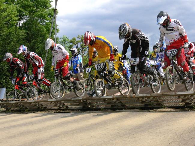 2007緑山JOSF Spring NationalsレースレースVOL4 BMXエキスパートクラス予選〜準決勝画像垂れ流し_b0065730_2141270.jpg