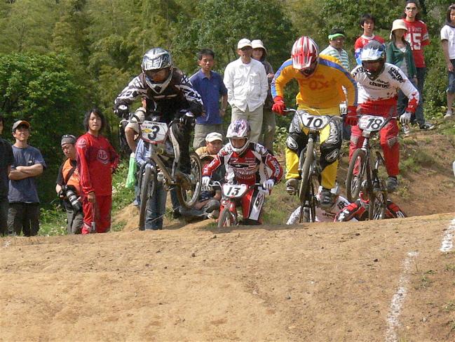 2007緑山JOSF Spring NationalsレースレースVOL4 BMXエキスパートクラス予選〜準決勝画像垂れ流し_b0065730_2151937.jpg