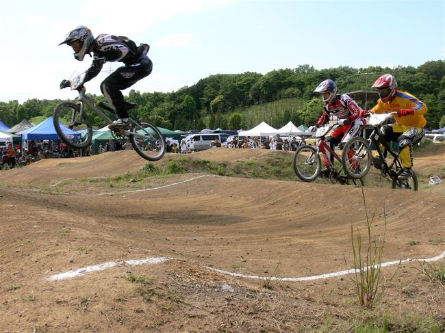 2007緑山JOSF Spring NationalsレースレースVOL4 BMXエキスパートクラス予選〜準決勝画像垂れ流し_b0065730_2155750.jpg