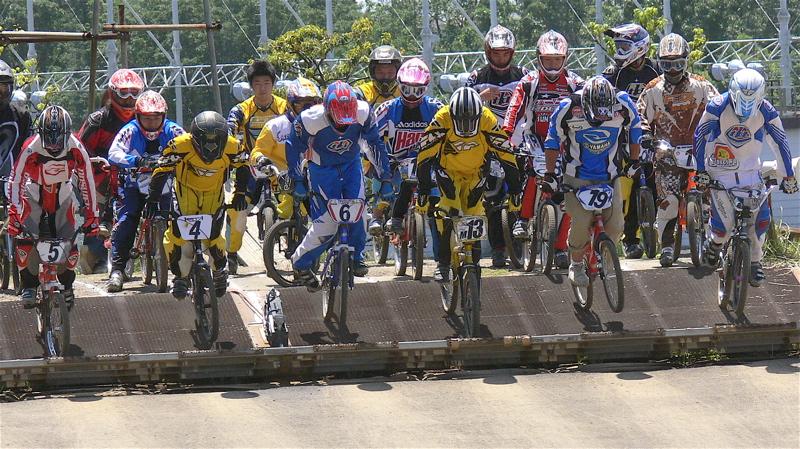 2007緑山JOSF Spring NationalsレースレースVOL4 BMXエキスパートクラス予選〜準決勝画像垂れ流し_b0065730_218283.jpg
