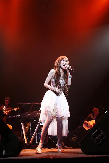 タイナカサチ初のワンマンライブ「LIVE 2007 ~Dear...~」大成功!!_e0025035_13505589.jpg