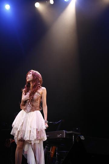 タイナカサチ初のワンマンライブ「LIVE 2007 ~Dear...~」大成功!!_e0025035_13533721.jpg