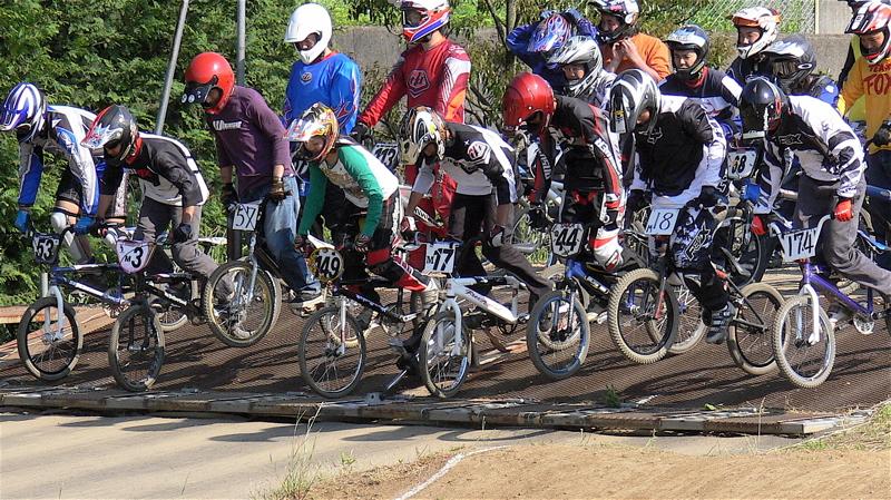 2007緑山JOSF Spring NationalsレースVOL11 14オーバー、30オーバー、マスターズクラス決勝画像垂れ流し_b0065730_20451419.jpg