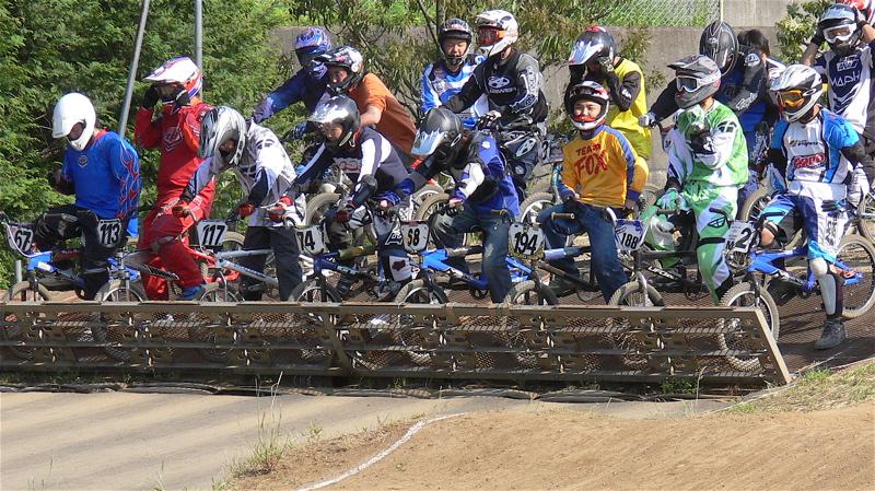 2007緑山JOSF Spring NationalsレースVOL11 14オーバー、30オーバー、マスターズクラス決勝画像垂れ流し_b0065730_2052273.jpg