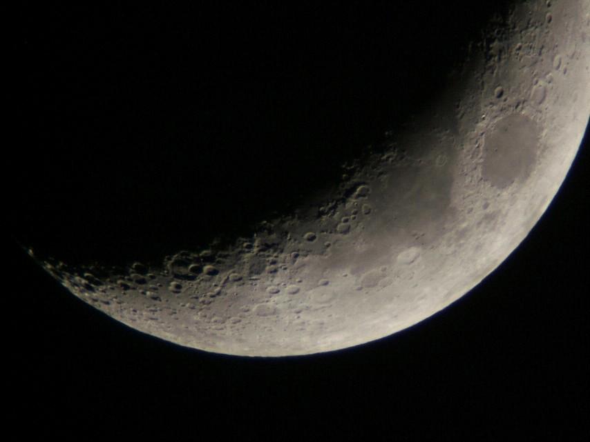 月齢4.3の月と金星(5/21)_e0089232_23192261.jpg
