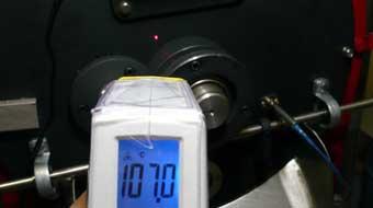 赤外線放射温度計で焙煎機の釜温度測定。_c0020639_17421931.jpg