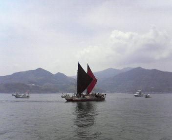 5月23日10時10分、周防大島を出航_c0090571_11211643.jpg