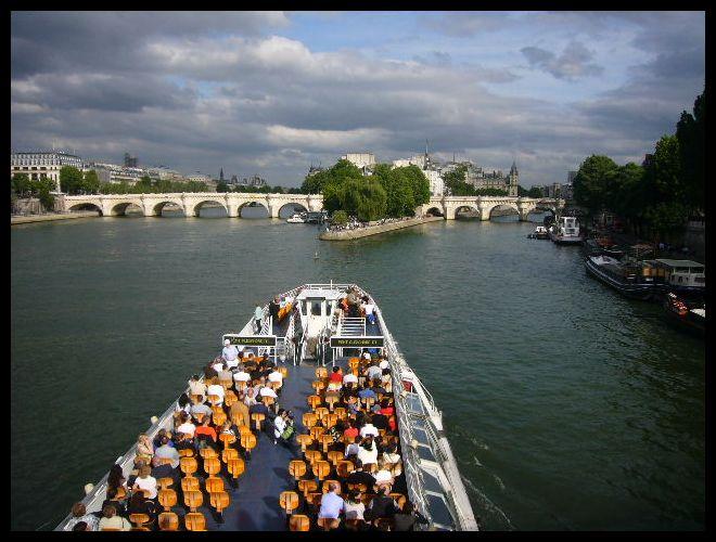 ■船(パリ)_a0008105_5443647.jpg