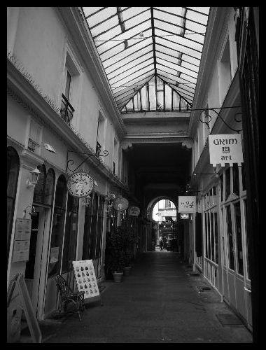 【パッサージュ】Cour du Commerce ST ANDRE(パッサージュ)_a0008105_5544559.jpg