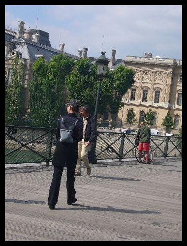 ■街角の人々(パリ)_a0008105_20382460.jpg