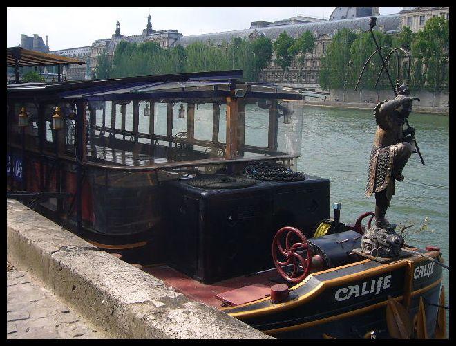 ■セーヌに浮かぶ船(パリ)_a0008105_9203378.jpg
