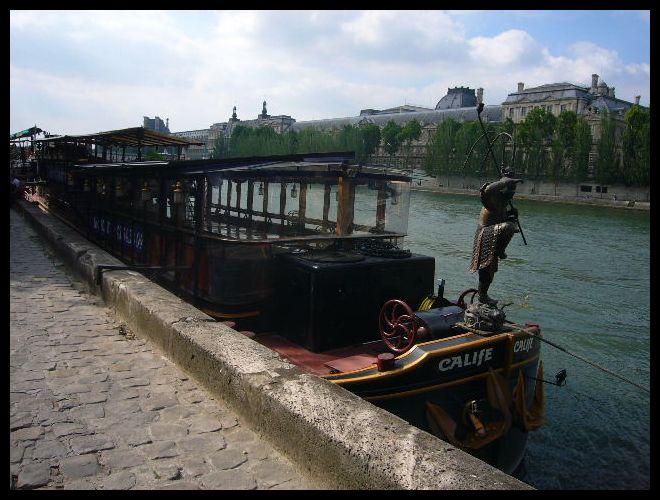 ■セーヌに浮かぶ船(パリ)_a0008105_9204745.jpg