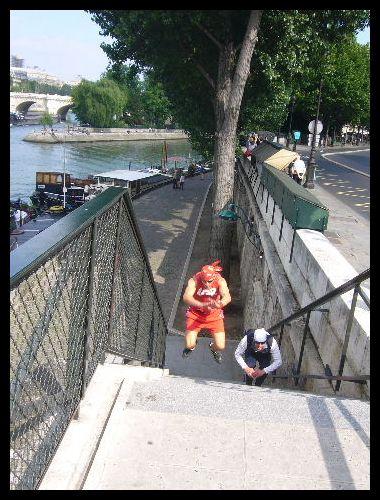 ■鍛える人々(パリ)_a0008105_21433753.jpg